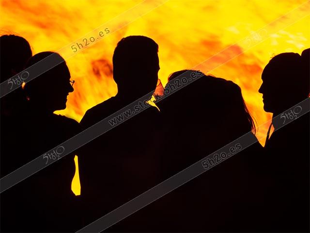 San Juan siluetas al fuego