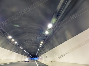Foto de stock - Photo Stock - Tunel iluminado en modo creativo