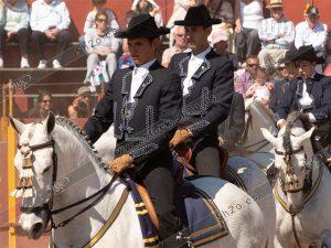 Jinetes andaluces de pasión a caballo