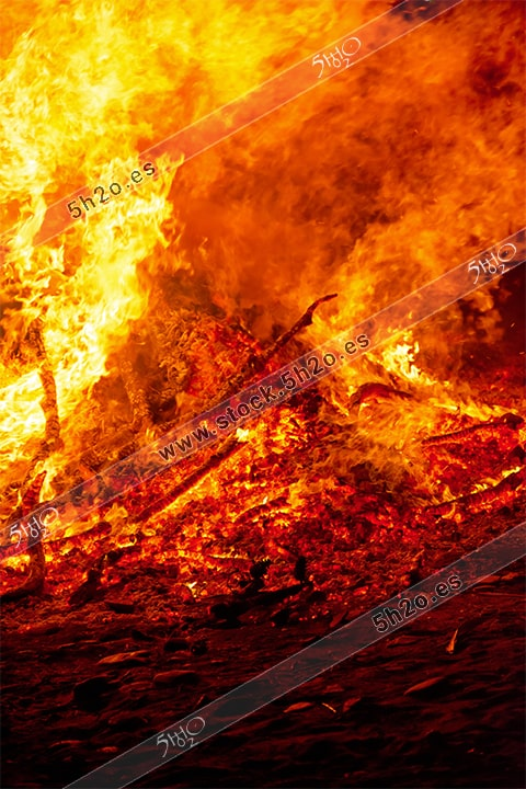 Brasas y fuego